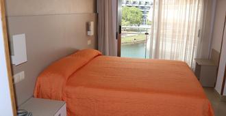 Hotel Marina - פניסקולה - חדר שינה