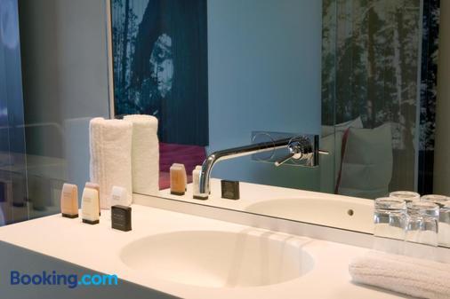 d-hotel - Kortrijk - Bathroom