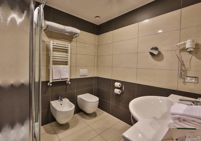 加利略帕多瓦貝斯特韋斯特第一酒店 - 帕多瓦 - 帕多瓦 - 浴室