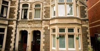 Church Guest House - Cardiff