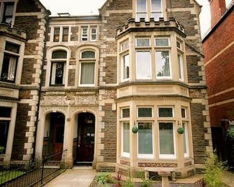Church Guest House - Cardiff - Edificio