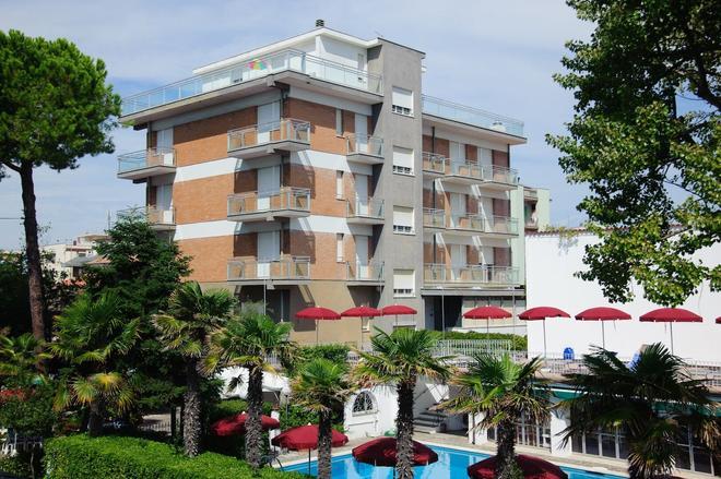 Hotel Nautic - Bellaria-Igea Marina - Building