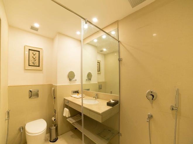 加爾各答金鬱金香飯店 - 加爾各答 - 浴室