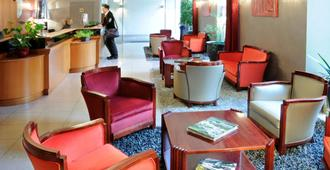 Best Western Poitiers Centre Le Grand Hotel - Poitiers - Lounge