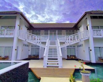 The Trawangan Resort - Pemenang - Building