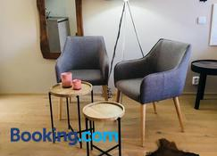 Best Place and Comfort Apartments - Brno - Living room