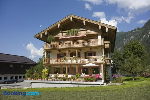 Landhaus Kumbichl - Mayrhofen - Building