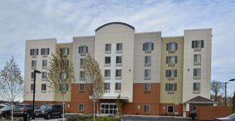 Candlewood Suites Eugene Springfield - Eugene - Building