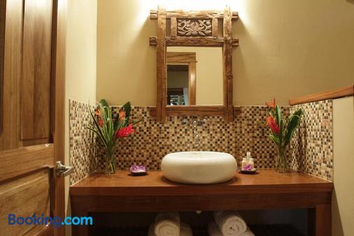 Copa De Arbol Beach & Rainforest Resort - Agujitas de Drake - Bathroom
