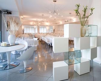 Hotel & Loisir Le Ruote - Cadeo - Restaurant
