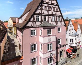 Akzent Hotel Meerfräulein - Wemding - Gebäude