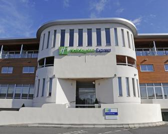 Holiday Inn Express Crewe - Crewe - Building
