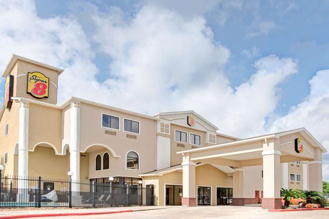 Super 8 by Wyndham Intercontinental Houston TX - Humble - Gebäude