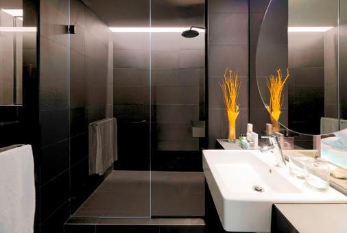 H10 Port Vell - Barcelona - Kylpyhuone