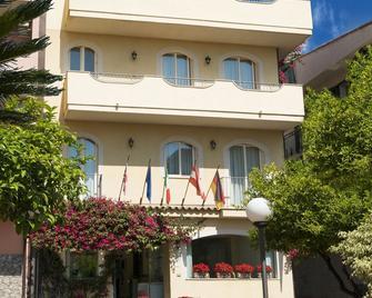 Hotel Sylesia - Letojanni - Edificio