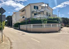 Apartments Jasmin - Medulin - Building