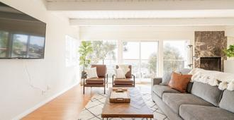 Bright & Gorgeous Home With Views In City Center! - San Diego - Stue