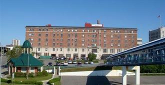 プリンス アーサー ウォーターフロント ホテル & スイーツ - サンダーベイ地区