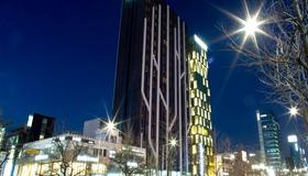 Dormy Inn Premium Seoul Garosugil - Seoul - Building