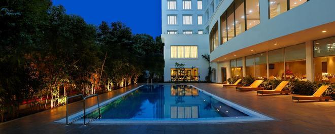 Fortune Select Palms - Chennai - Uima-allas