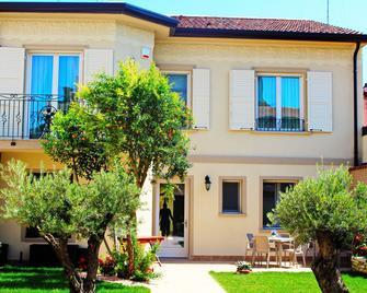 Villa Cavour - Comacchio - Gebäude