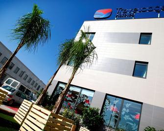 Travelodge Valencia Aeropuerto - Valencia - Building