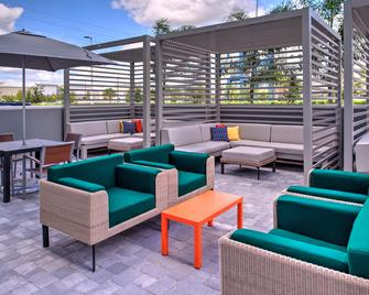 Holiday Inn & Suites Orlando - International Dr S - Orlando - Patio