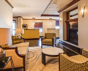 Best Western Plus South Hill Inn - South Hill - Lobby