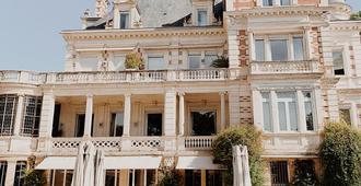 La Villa Guy & Spa - Béziers - Building