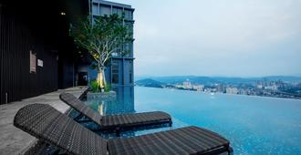 Expressionz Professional Suites by Ben - Kuala Lumpur - Piscine