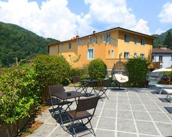 Hotel & Terme Bagni di Lucca - Bagni di Lucca - Патіо