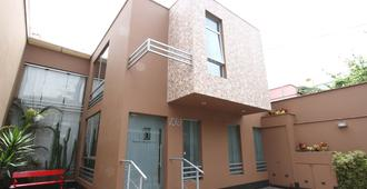 3B Barranco's - Chic and Basic - B&B - Lima - Edificio