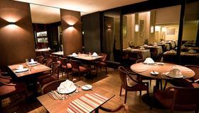 Alta Reggia Plaza Hotel - Curitiba - Restaurant