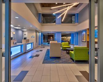 Holiday Inn Express & Suites - Effingham, An IHG Hotel - Effingham - Lobby