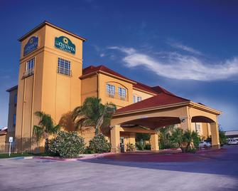 La Quinta Inn & Suites by Wyndham Alice - Alice - Building