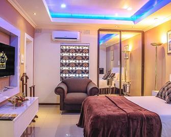 New Fairmount Hotel and Casino - Livingstone - Bedroom