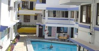Alor Holiday Resort - Calangute - Pool