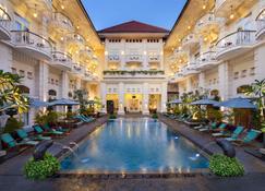 The Phoenix Hotel Yogyakarta - MGallery Collection - Yogyakarta - Πισίνα