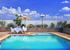 Laithong Hotel - Ubon Ratchathani - Pool