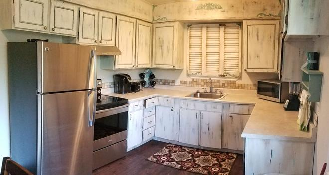 Bryce Canyon Livery Bed & Breakfast - Tropic - Cocina