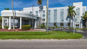 Best Western Fort Myers Inn & Suites - Fort Myers - Edificio