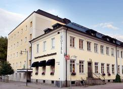 Clarion Collection Hotel Bergmastaren - Falun - Building