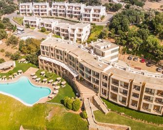 Evia Hotel & Suites - Marmari - Building