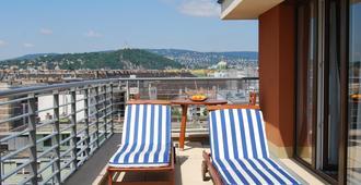 Escala Hotel & Suites - בודפשט - מרפסת