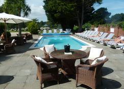 Beachcombers Hotel - Grouville - Zwembad