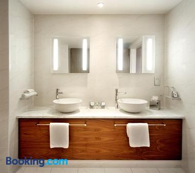 The Manor West Hotel & Leisure Club - Tralee - Bathroom