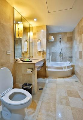 Crown Regency Hotel & Towers - Cebu City - Bathroom