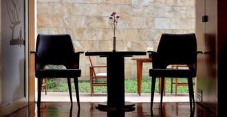 Les Suites Taipei Ching Cheng - Taipéi - Servicio de la habitación