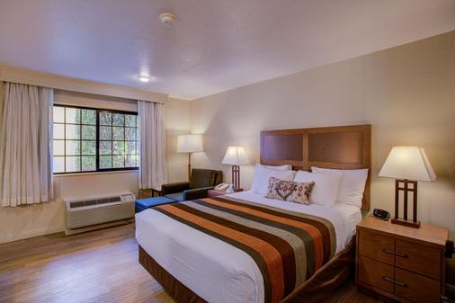 Best Western Sandman Motel - Sacramento - Bedroom