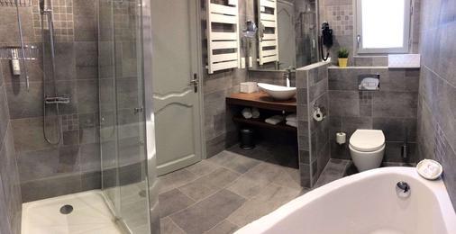 Best Western Hotel De France - Chinon - Bathroom